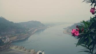 """Đập thủy điện Hòa Bình – Điểm check in """"sống ảo"""" mờ sương đẹp chẳng kém SaPa"""