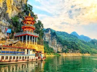 "Du lịch Thung Nai: ""Lên núi tắm biển"""