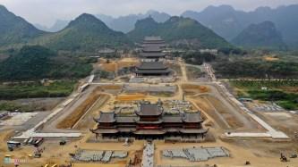 Chùa Tam Chúc – Điểm du lịch tâm linh lớn nhất Việt Nam