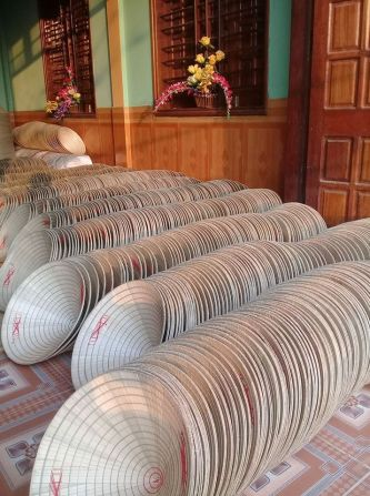 Thăm làng nghề nón lá Quy Hậu trăm tuổi ở Lệ Thủy