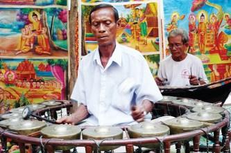 Văn hóa truyền thống phục vụ du lịch