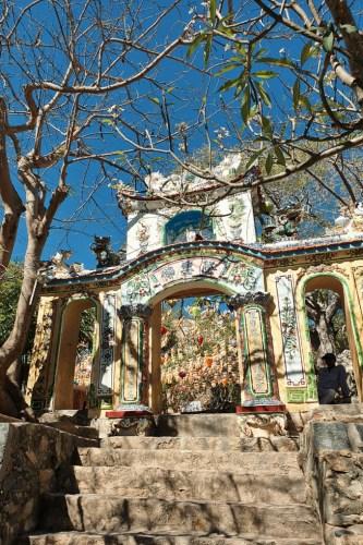 Chùa Cổ Thạch – điểm đến nổi tiếng linh thiêng ở Bình Thuận