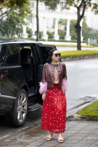 Chẳng mấy khi đụng hàng Hà Hồ, Phượng Chanel thất thế bởi mắc mãi lỗi cơ bản