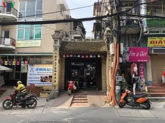 Cổng làng trong lòng phố phường Hà Nội vẫn nguyên vẹn hồn quê
