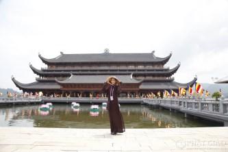 Cựu hoa hậu Trương Thị May nét đẹp lặng thầm trong Đại lễ Vesak 2019