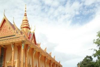 Xiêm Cán: Ngôi chùa Khmer lớn và lộng lẫy nhất ở Nam Bộ