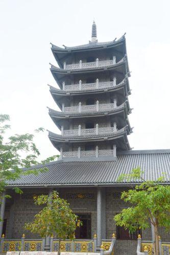 Độc đáo ngôi chùa xây dựng bằng đá nguyên khối ở Sóc Trăng