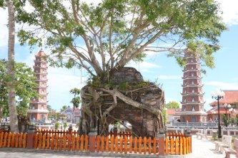 Chùa Hoằng Phúc – Ngôi chùa cổ hơn 700 tuổi của Quảng Bình