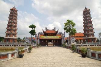 Top 18 Ngôi Chùa Nổi Tiếng Ở Việt Nam – Nơi Trao Gửi Niềm Tin Tâm Linh Không Thể Thiếu